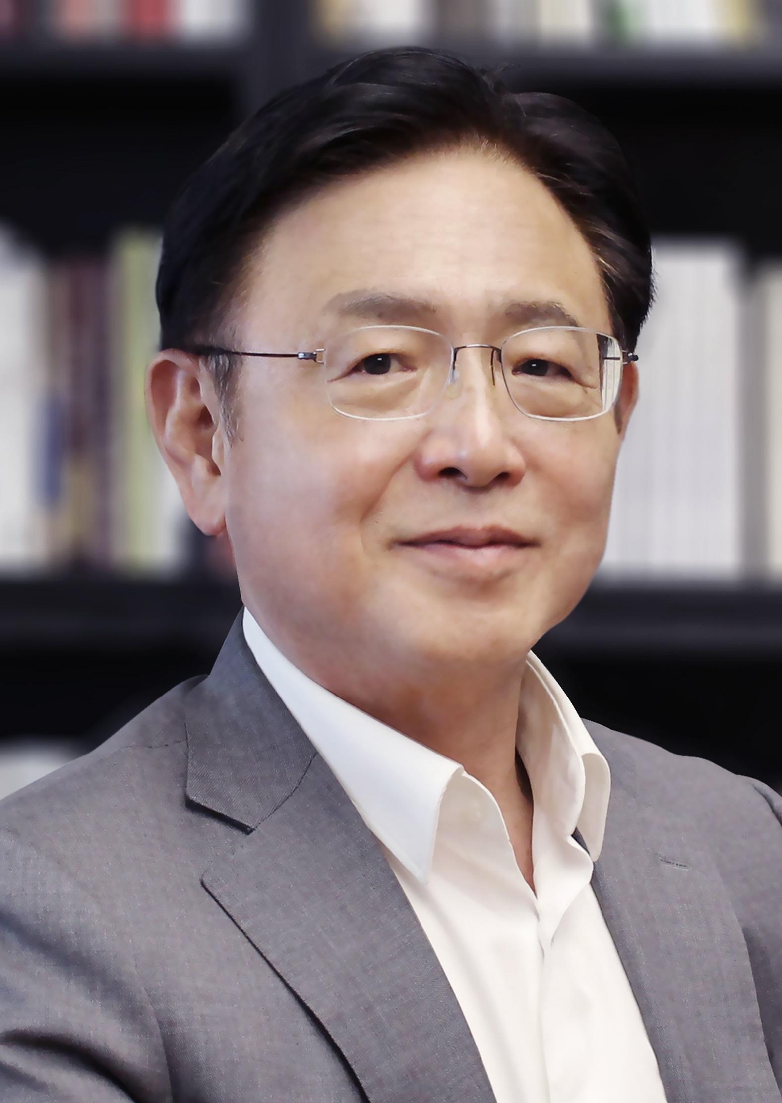 Michael Young Mok Kim